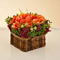 Arreglo Floral Rosas Naranja / Vino con maceta de caña