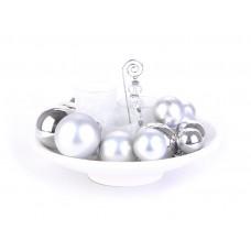 Centro de mesa con esferas y porta velas